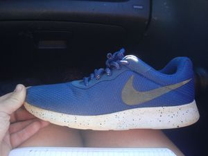 Blue nike shoes size 9 for Sale in St. Louis, MO