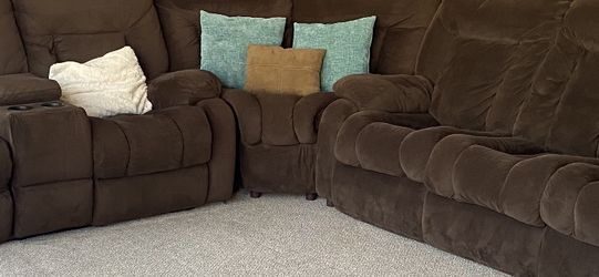 Sectional Couch Sofa Sleeper - Cost $3,000 New, Outstanding Condition for Sale in Chula Vista,  CA