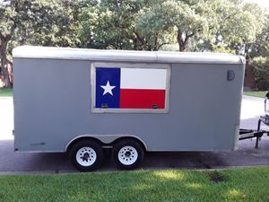 14 ft enclosed aluminum trailer for Sale in Arlington, TX