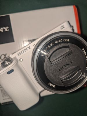 Sony a6000 for Sale in Brea, CA
