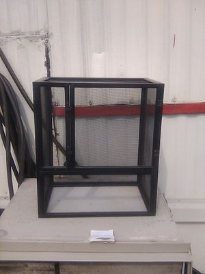 Small bird cage or hamster or Mouse 18 in wide 20 in tall 11 and 1/8 deep for Sale in Cincinnati, OH
