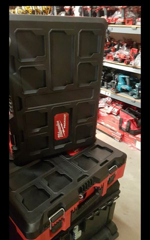 MILWUAKEE PACK OUT TOOL BOX BRAND NEW for Sale in San Bernardino, CA