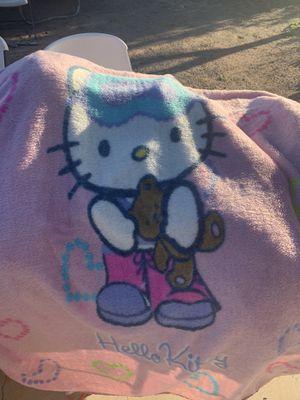 Girls comforter/ hello kitty blanket for Sale in Phoenix, AZ