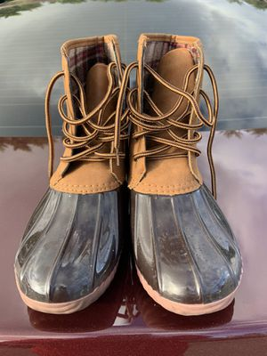 Duck rain boots size 8 women's for Sale in Los Angeles, CA