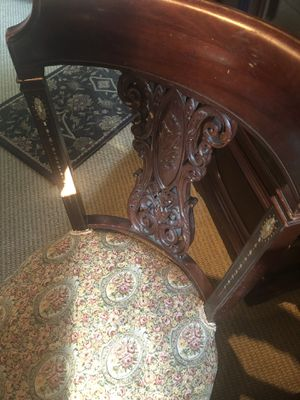 ANTIQUE VICTORIAN PARLOR CHAIR / INLAID MOTHER OF PEARL for Sale in Catonsville, MD