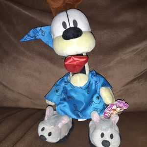 """Play by Play Paws 12"""" Garfield's Bedt Isime Odie with Bunny Slippers Stuffed Toy with Original Tags for Sale in Los Lunas, NM"""
