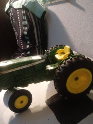Mini scale John Deere tractor for Sale in Avon Park, FL