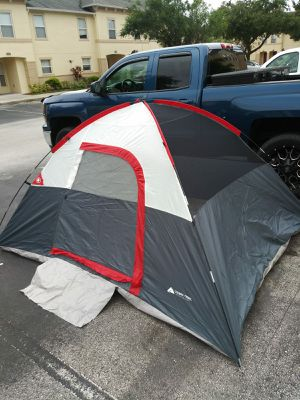 tent for camping with 3 inflatable mattress and sleeping bag full /carpa para 4 personas con tres colchones inflables for Sale in Haines City, FL