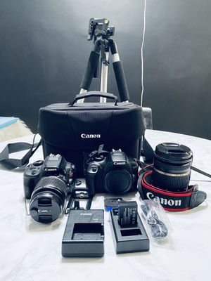 2 Canon Camera Bundle for Sale in Los Angeles, CA
