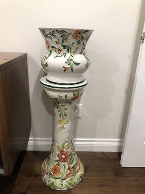 Indoor flower pot for Sale in Los Angeles, CA