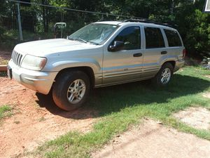 2004 Jeep - Grand Cherokee 2WD - NO TRADES for Sale in Oakwood, GA