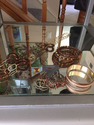 Brown & gold toned jewelry for Sale in Ontario, CA