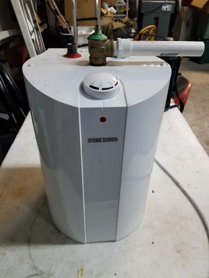 STIEBEL ELTRON MINI HOT WATER HEATER for Sale in Chicago, IL