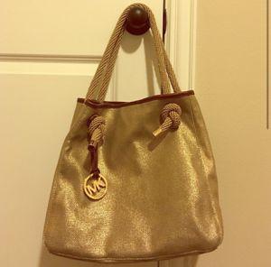 Michael KORS GOLDEN Handbag for Sale in Mesquite, TX