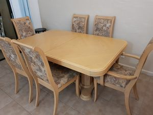 dining room table and China cabinet for Sale in Miami, FL