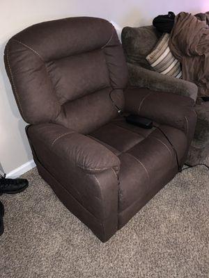 Massage/ recliner sofa sillón de masaje y reclinador for Sale in MONTGOMRY VLG, MD