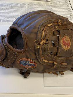 """Nokona AMG 125 American Legend 11.25"""" Baseball Glove for Sale in Portland,  OR"""