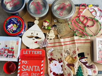 FREE CHRISTMAS THINGS for Sale in Lehigh Acres,  FL