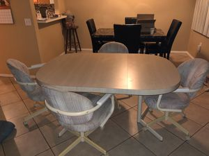 Kitchen table for Sale in New Port Richey, FL