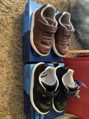 Stride rite size 4w toddler shoes for Sale in Avondale, AZ