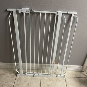 Puerta De Seguridad Para Niños for Sale in Phoenix, AZ