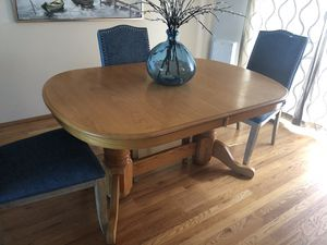 Oak Kitchen table and chairs. for Sale in Tacoma, WA