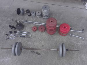 Weight sets with barbells and dumbbells for Sale in Puyallup, WA