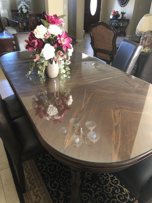 Dining table set glass on top + rug for Sale in Bakersfield, CA