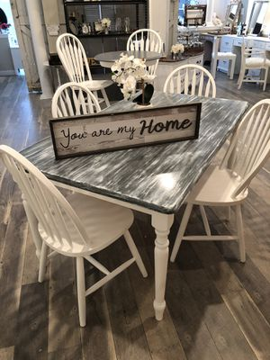 Table chairs dining set for Sale in Freehold, NJ