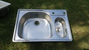 Kitchen sink 22 x 33 for Sale in Grand Prairie, TX