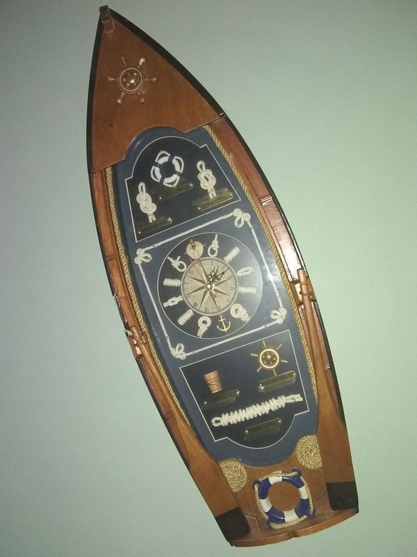 Clock boat