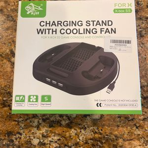 Vertical Charging Stand for Xbox Series S Controllers with Cooling Fan for Sale in Norco, CA