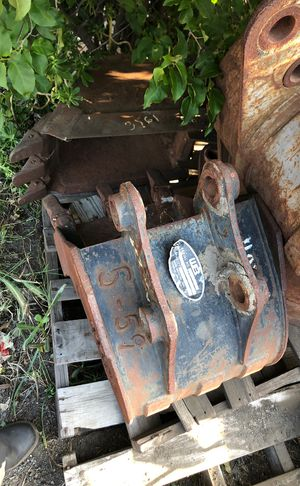 Excavator buckets for Sale in Fontana, CA