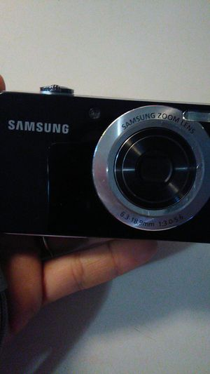 Samsum digital camera for Sale in Cumberland, RI