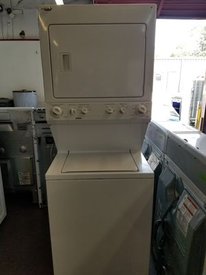 Kenmore stackable washer and dryer unit (electric) for Sale in Houston, TX