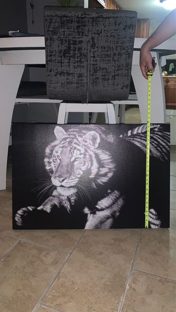 Leon canvas painting 🖼