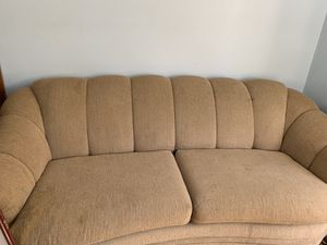 Free couch just needs cleaned great condition for Sale in Sandy, OR