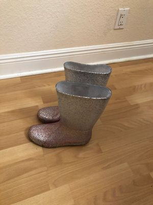 Women rain boots up to size 8 for Sale in Margate, FL