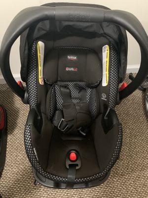 Britax like new car seat with base for Sale in Westfield, NJ