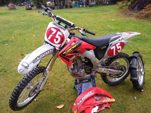 02 Honda crf450 for Sale in Snoqualmie, WA
