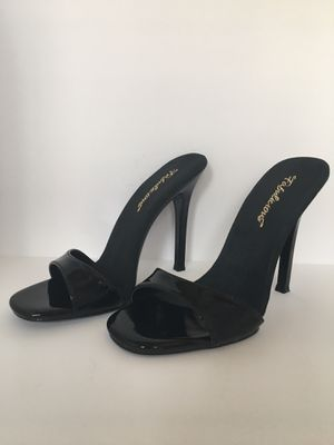 "Fabulicious GALA 01 Women's 4 1/2"" High Heel Slip On Black Mules Size 9M for Sale in Inglewood, CA"