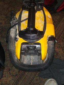 Dewalt DCV581H Heavy Duty Vacuum for Sale in Shoreline,  WA