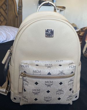 MCM SMALL VISETOS LEATHER BACKPACK for Sale in San Lorenzo, CA