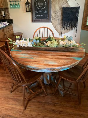 rustic painted wooden table with leaf and chairs for Sale in Blacklick, OH