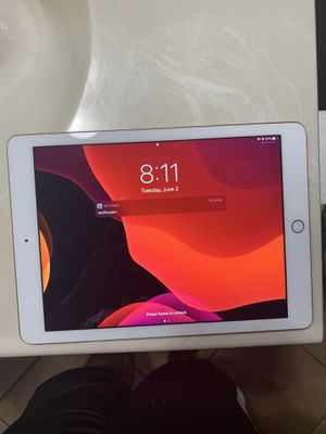iPad 6th generation for Sale in Las Vegas, NV