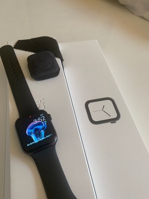 Apple Watch series 4 for Sale in Fort Lauderdale, FL