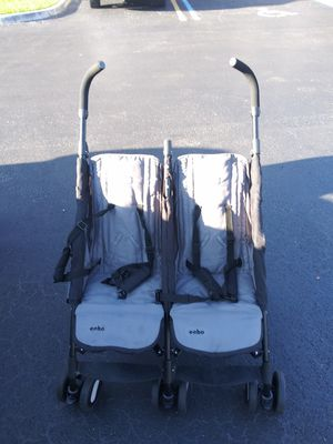 Chicco double stroller for Sale in North Miami Beach, FL