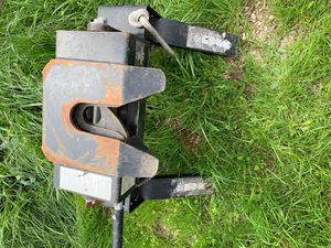 Fifth wheel hitch for Sale in West, TX