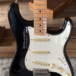 Fender Stratocaster Electric Guitar MINT for Sale in Cumming, GA