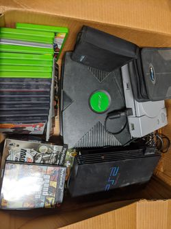 PS1, PS2, & XBOX. With games and controllers for Sale in Claremont,  CA